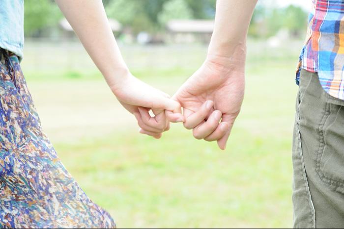 スリーセット理論を使って強い絆で結ばれたカップル
